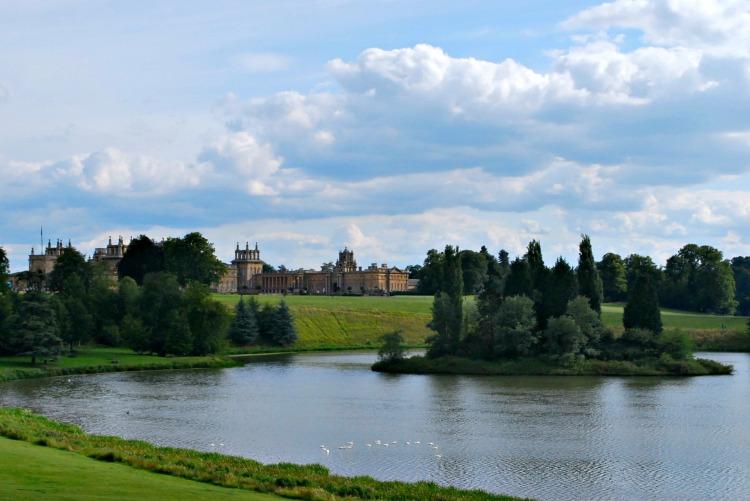 Bleinheim Palace - www.shewalkstheworld.com