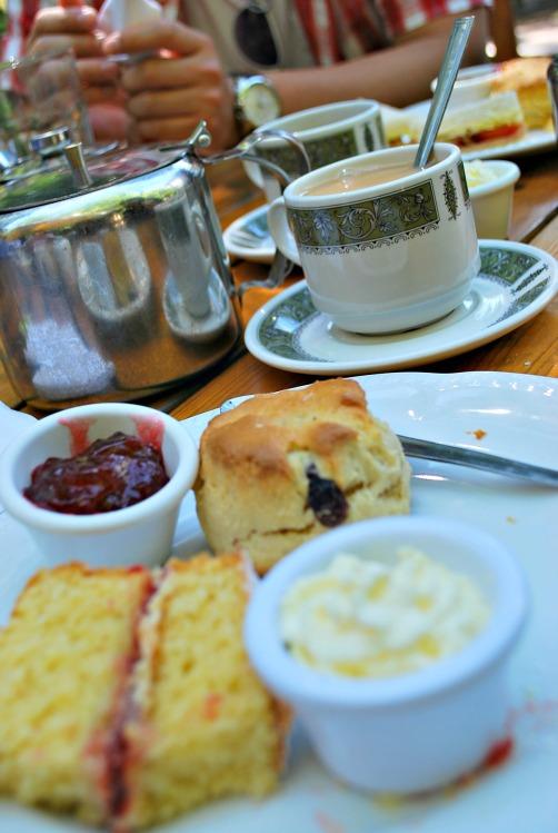 The Cottage Restaurant and Tea Garden - www.shewalkstheworld.com
