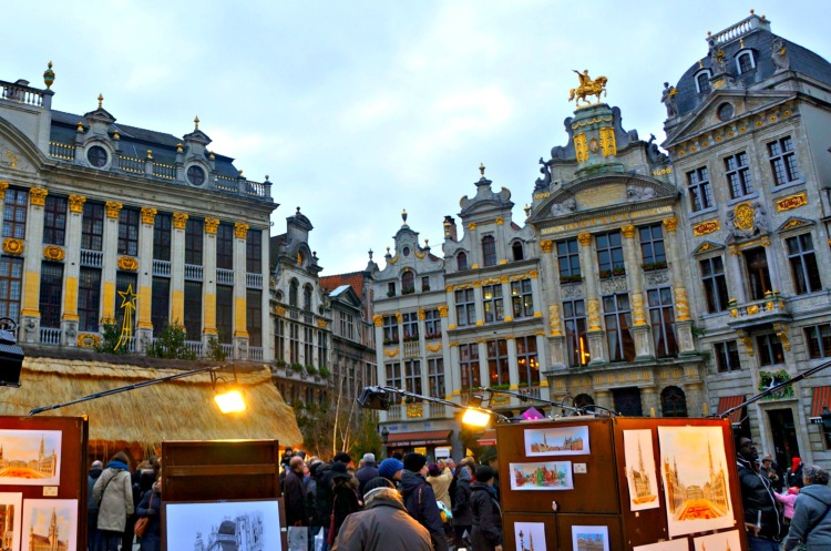 Top 10 Things to do in Brussels - Grand Place - www.shewalkstheworld.com