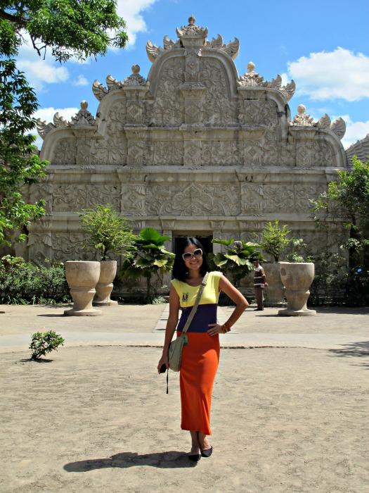 Yogyakarta in 3 Days - Taman Sari Garden - www.shewalkstheworld.com