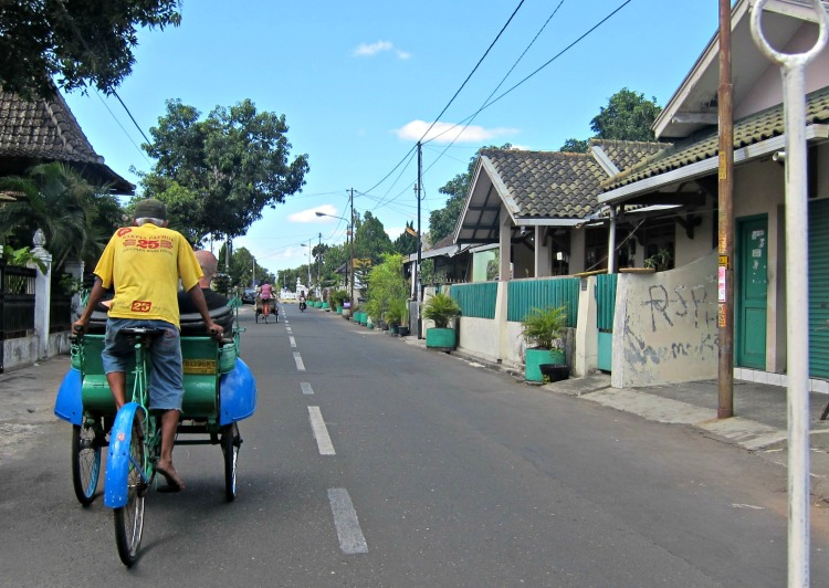 Yogyakarta in 3 Days - Becak - www.shewalkstheworld.com