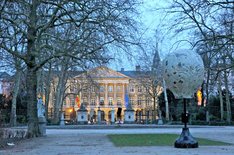 Top 10 Things to do in Brussels - Royal Palace - www.shewalkstheworld.com