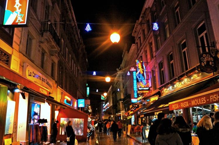Top 10 Things to do in Brussels - Rue de Bouchers - www.shewalkstheworld.com
