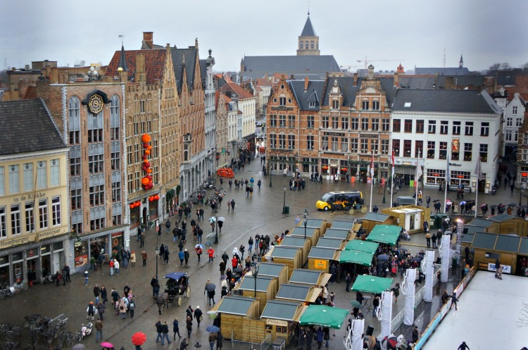 A Winter's Day in Bruges - Markt Square - www.shewalkstheworld.com