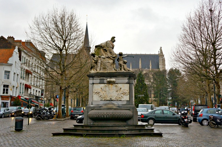 Top 10 Things to do in Brussels - Place du Grand Sablon - www.shewalkstheworld.com