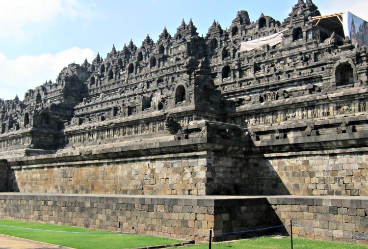 Borobudur Temple - www.shewalkstheworld.com