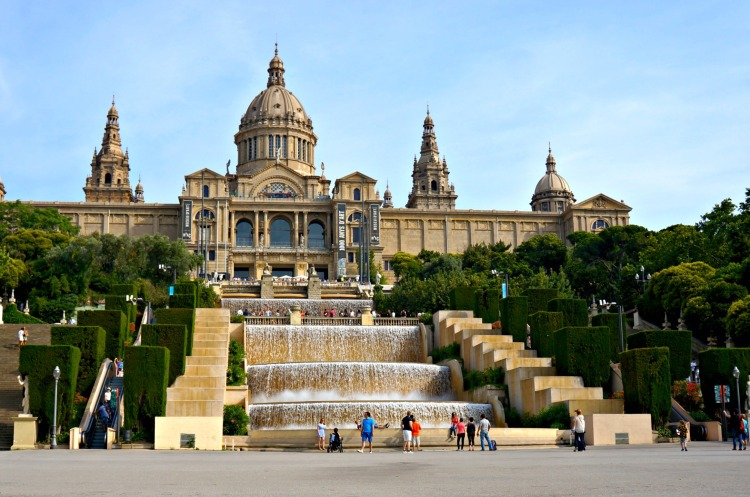 Museu Nacional d'Art de Catalunya - Mynn's Top 10 Things to See in Barcelona - www.shewalkstheworld.com