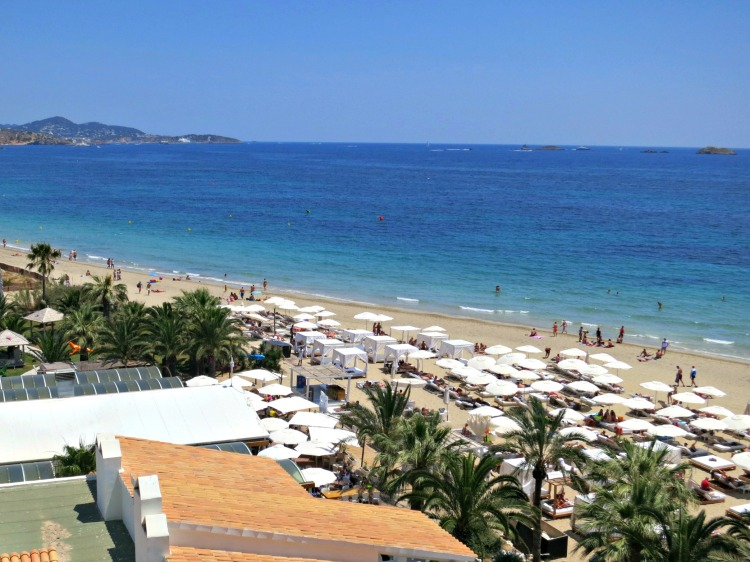 Ushuaia Ibiza Beach Hotel - www.shewalkstheworld.com