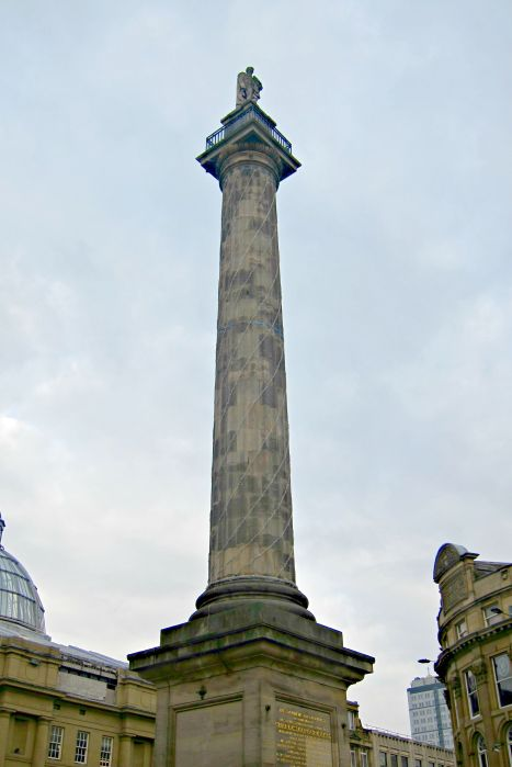 Grey's Monument - Exploring Newcastle in 24 Hours - www.shewalkstheworld.com