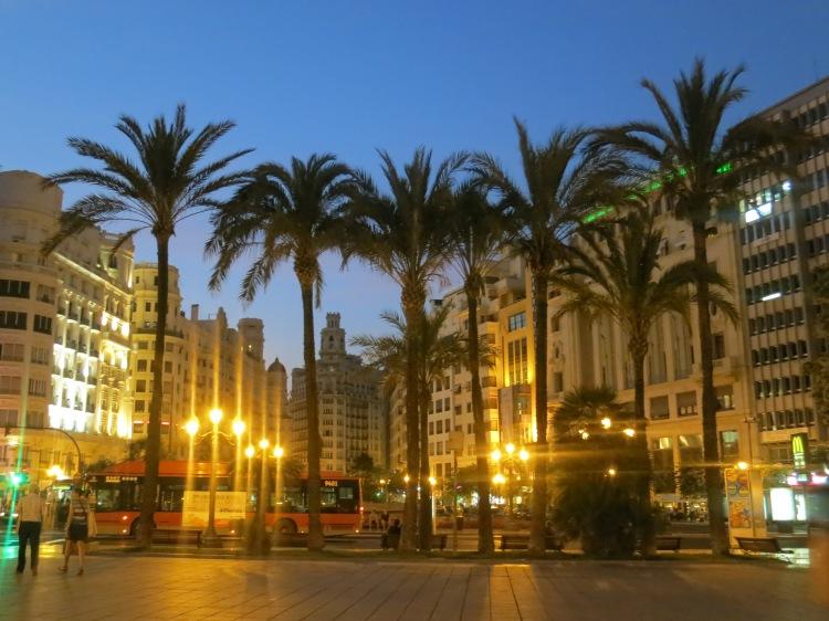 Plaza del Ayutamiento - Two Days in Valencia - www.shewalkstheworld.com