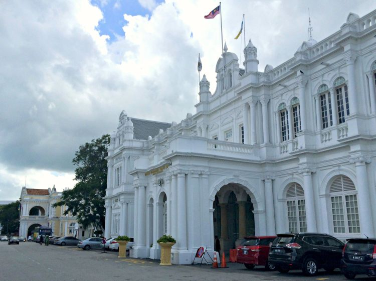 Penang Town City Hall - Mynn's Top 10 Buildings to Visit in Penang's Historical Georgetown - www.shewalkstheworld.com