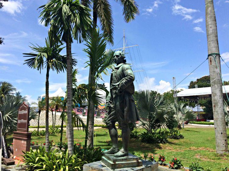 Fort Cornwallis - Mynn's Top 10 Buildings to Visit in Penang's Historical Georgetown - www.shewalkstheworld.com