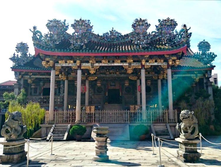 Khoo Kongsi - Mynn's Top 10 Buildings to Visit in Penang's Historical Georgetown - www.shewalkstheworld.com