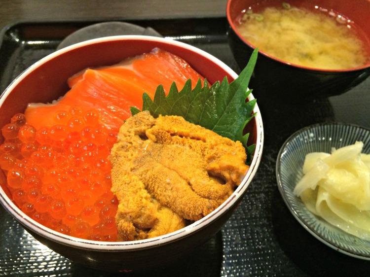 Donburi - Mynn's Top 10 Food to Eat in Hokkaido - www.shewalkstheworld.com