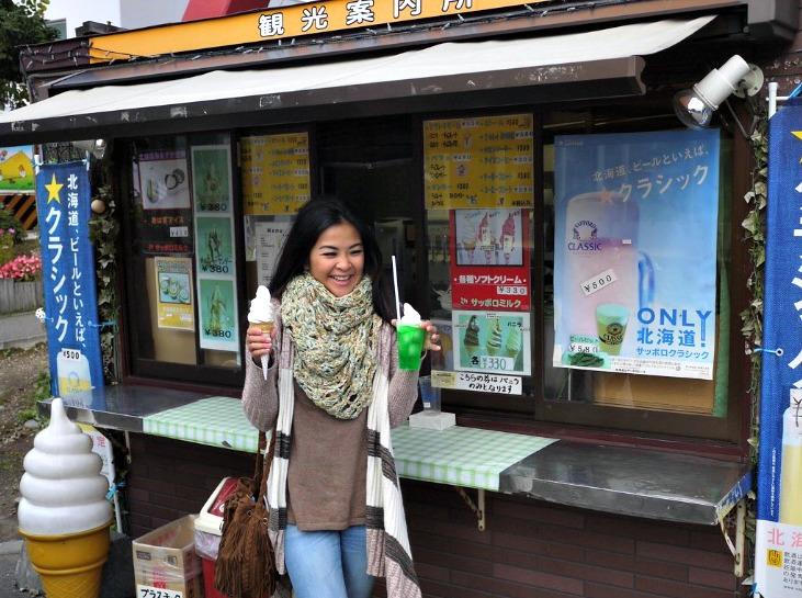 Happy Girl - Mynn's Top 10 Food to Eat in Hokkaido - www.shewalkstheworld.com